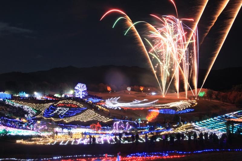 幻想的な光のイリュージョン!「まんのう公園 ウィンターファンタジー」開催中